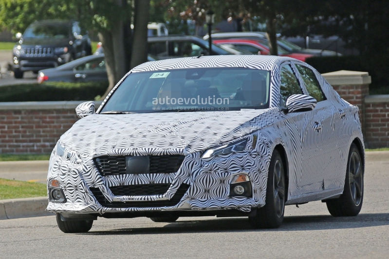 2019-nissan-altima-spied-inside-and-out-is-targeting-the-accord-and-camry-119697_1.jpg