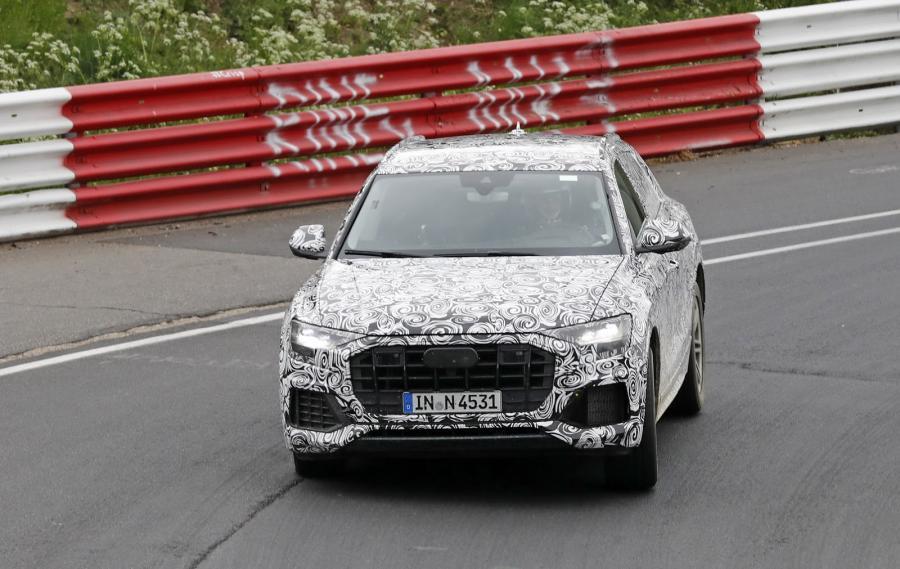 New-Audi-Q8-SUV-Spy-Int-5.jpg