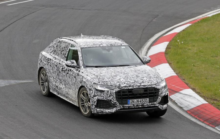 New-Audi-Q8-SUV-Spy-Int-6.jpg