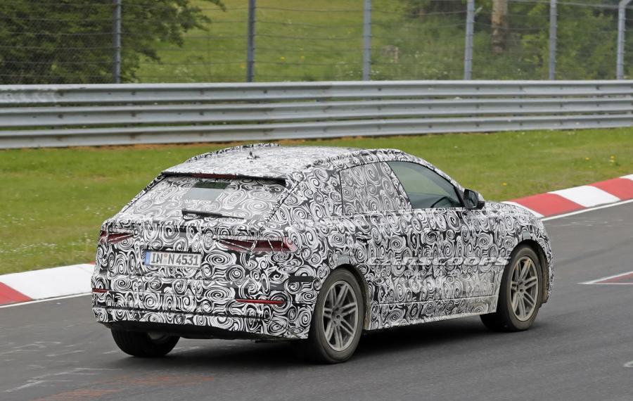 New-Audi-Q8-SUV-Spy-Int-10.jpg