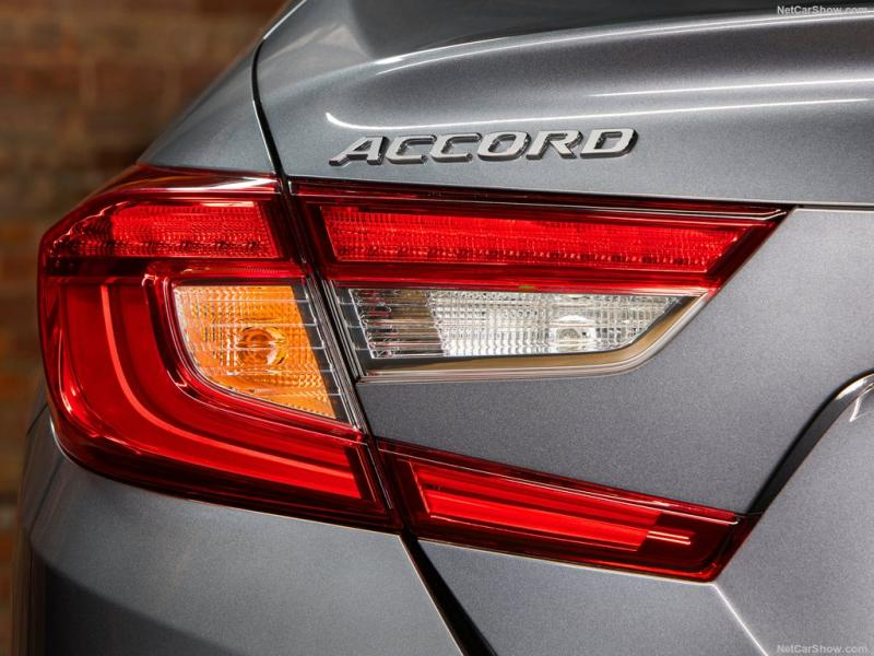 Honda-Accord-2018-1024-16.jpg