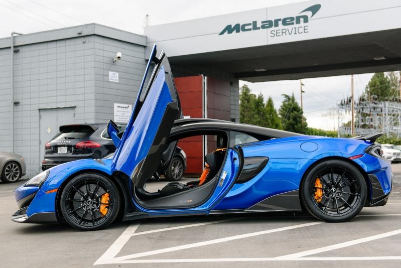 79612675-mclaren-600lt-blue-23.jpg