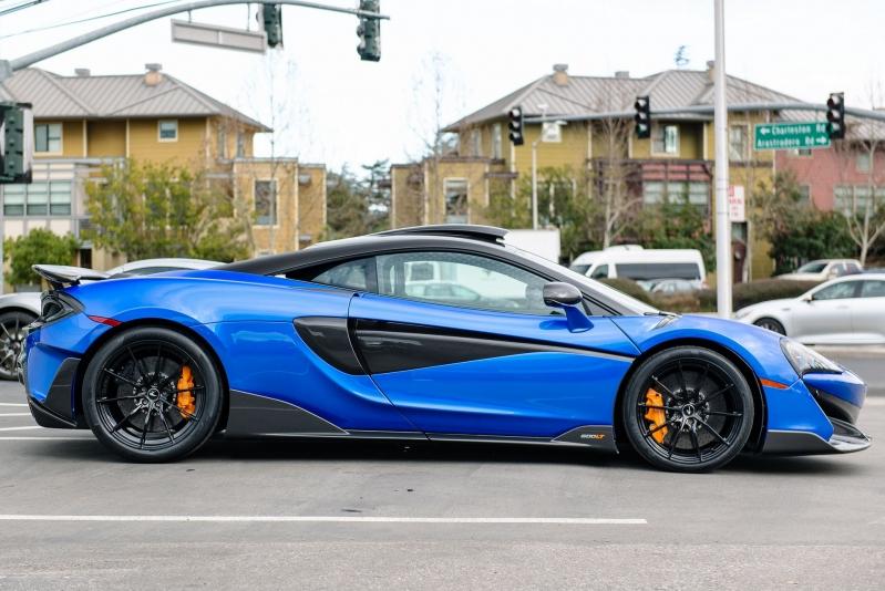cf07e08a-mclaren-600lt-blue-11.jpg